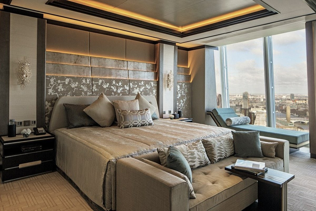 luxurious hotel room.jpg